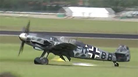 Messerschmitt Bf 109 G6 AWESOME SOUND !!! - YouTube