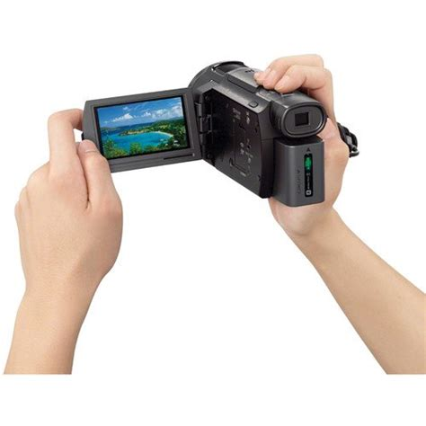 Sony Handycam FDR-AX33 4K Ultra HD Camcorder Review