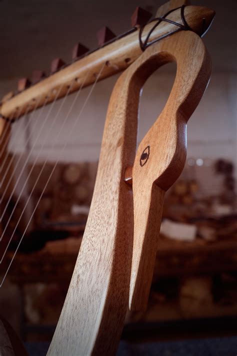 The Lyre of Thamyris (11 strings) – the mortal who
