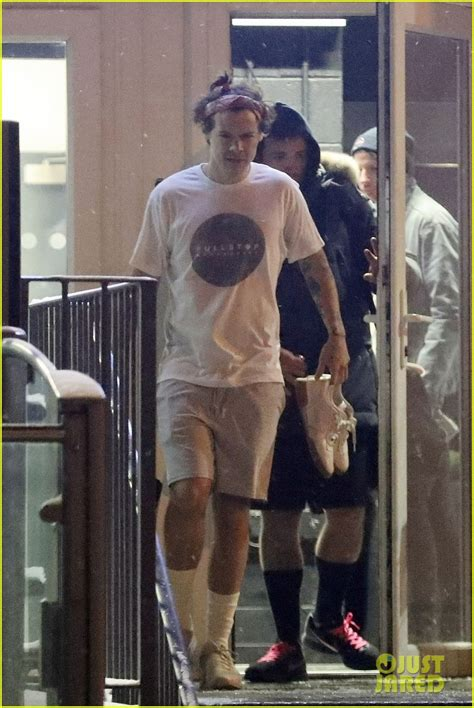 Harry Styles Skips the Oscars 2018 to Hit the Gym With
