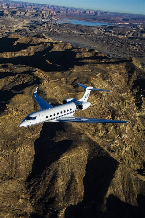 The New Gulfstream G650ER : an ultra-long-range business jet